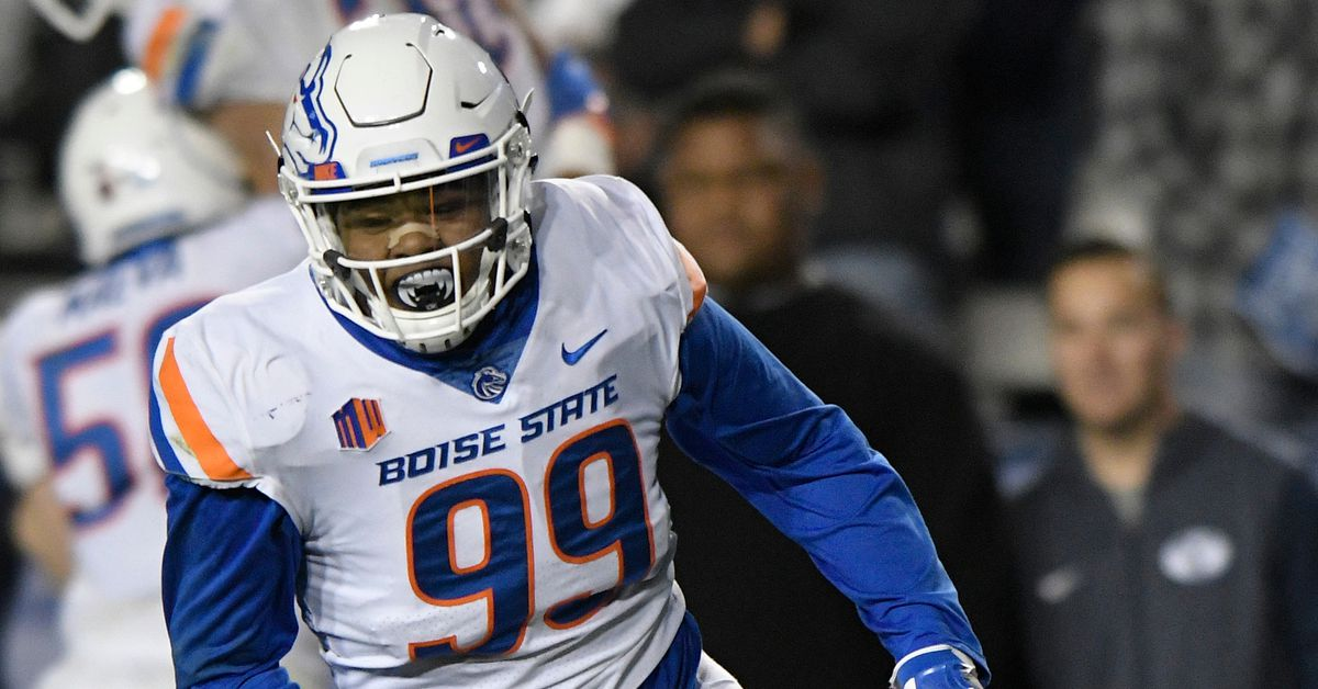 227's™ YouTube Chili' Boise State's Curtis Chili' Weaver Nation's Sack Leader!