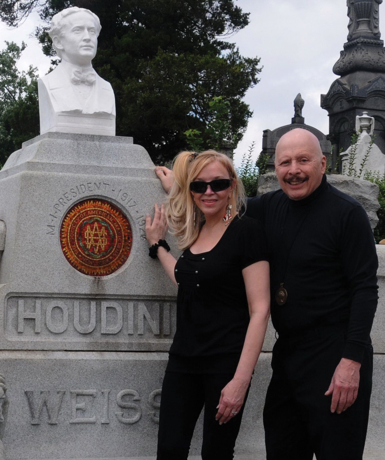 Dietrich-Dick Brookz Replaced Vandalized Bust At Houdini Grave. Cost $10,000