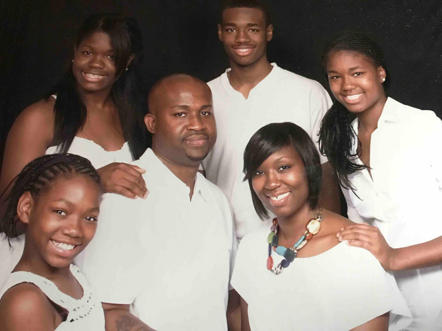 Dreama & Tra'von Williams & Family