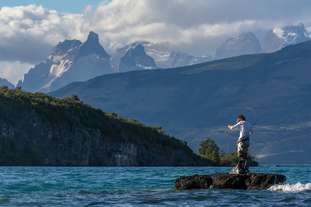 Fly fishing in Torres del Paine Patagonia Camp Hot