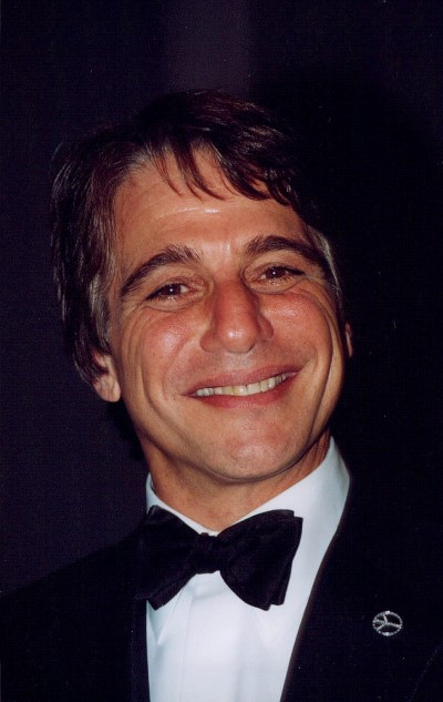Tony_Danza (credit John Mathew Smith)